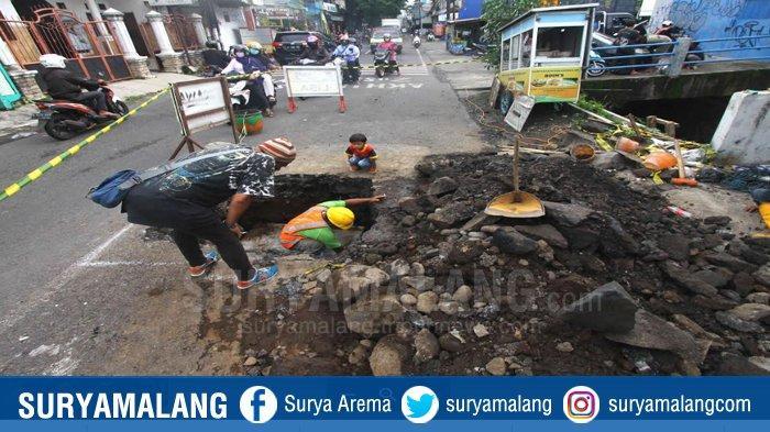 Jalan Berlubang di Jalan Gajayana Membuat Kemacetan, DPUPRPKP Kota Malang Minta Maaf