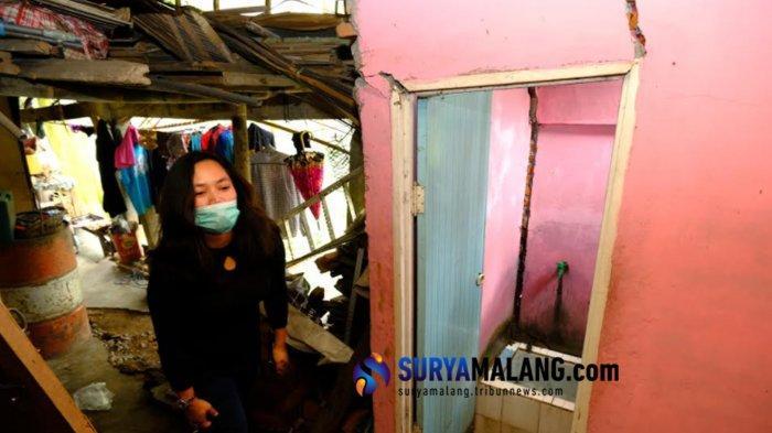 Jalan Retak Diperbaiki, 14 Pedagang Payung Batu Rehat Sementara Waktu