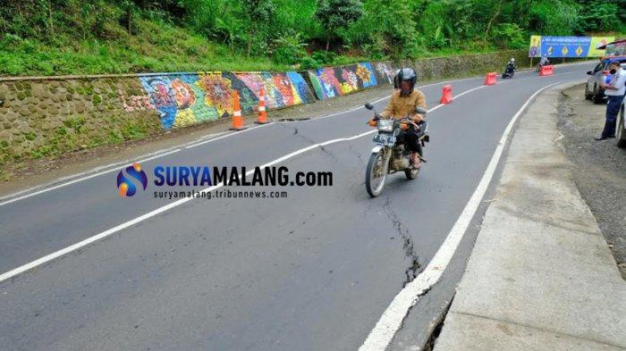 Ada Jalan Retak, BPBD Jatim Rekomendasikan Pengalihan Arus Lalu Lintas di Kawasan Payung 1 Kota Batu