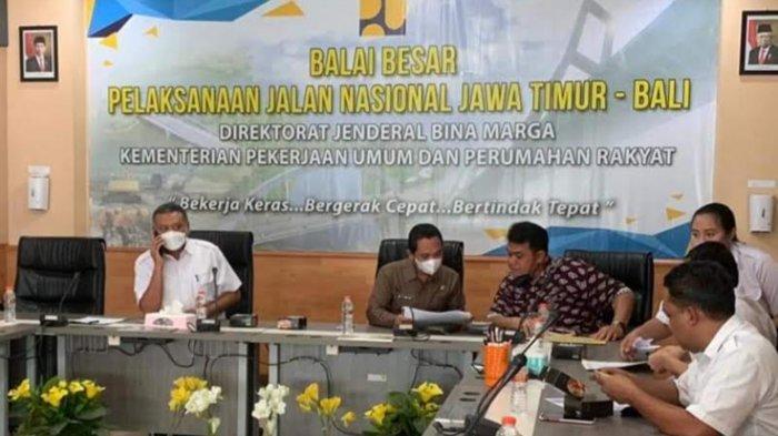 Bupati Thoriqul Haq Konsultasi ke Kementerian PUPR untuk Perbaikan Jalan Rusak Candipuro-Lumajang