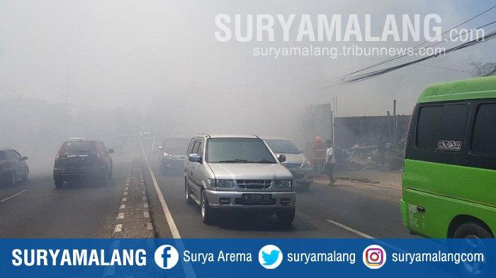 Asap Tebal di Jalur Surabaya - Malang di Pasuruan Ternyata Berasal dari Sini . . .