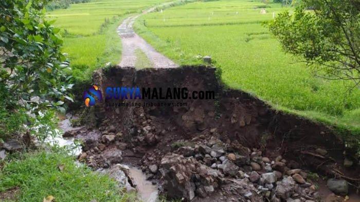 Jembatan Putus Terbawa Air Banjir, 1 Dusun di Ponorogo Terisolasi