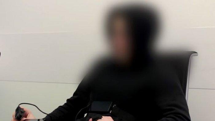 VIDEO : Ngaku Datang dari Tahun 6491, Begini Kisah Pria yang Terjebak di Tahun 2018 Ini