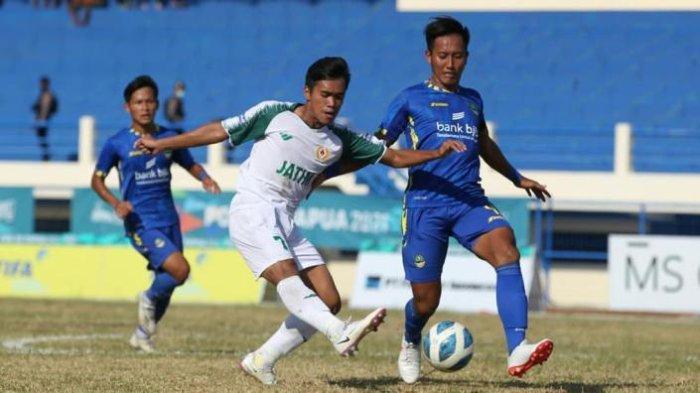 Sepak Bola PON XX Papua - Sama Kuat, Babak Pertama Jatim Vs Jabar, Skor 0-0