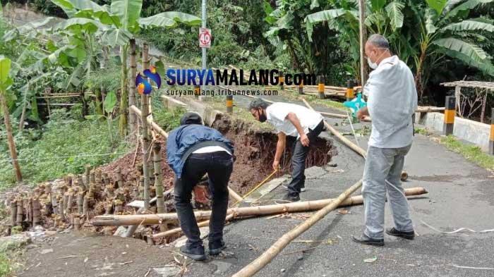 Jembatan Penghubung Kelurahan Bandulan dan Mulyorejo Malang Ambrol, Kendaraan Tak Bisa Lewat