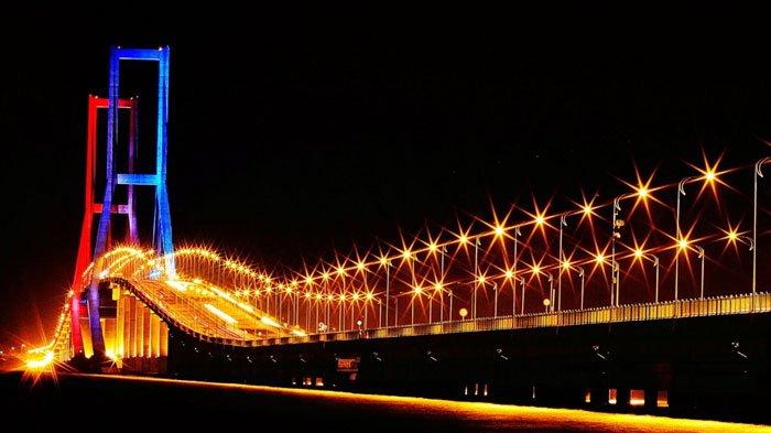 Keren! Kereta Gantung Akan Melintas di Atas Jembatan Suramadu