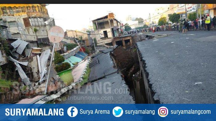 BREAKING NEWS : Jalan Poros Utama Jember Ambles, Pertokoan Juga Ikut  Longsor