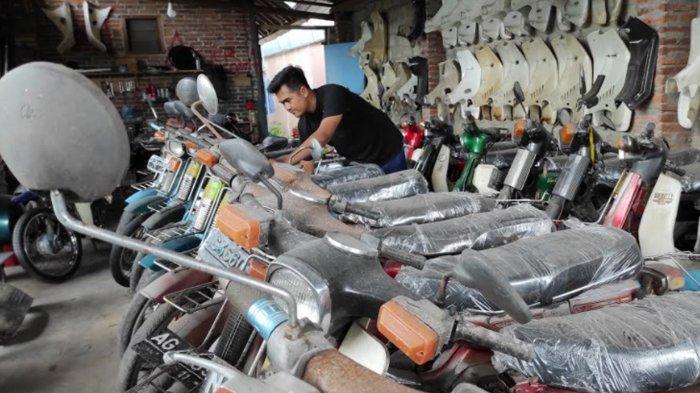 Pemuda Blitar Tetap Cuan Puluhan Juta dari Jual-Beli Motor Lawas