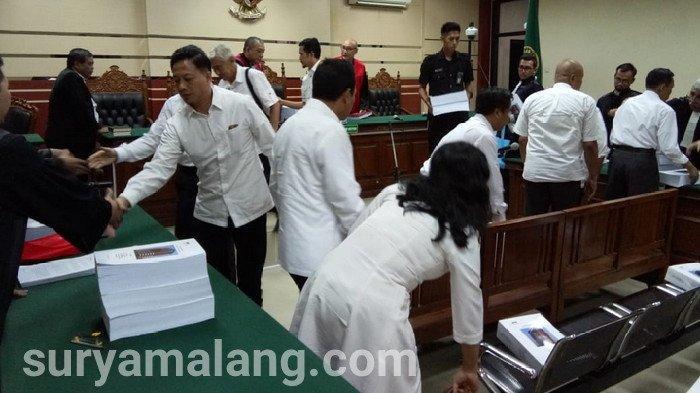 Tujuh Bekas Anggota DPRD Kota Malang Dieksekusi Campur Narapidana Biasa