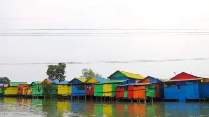 Wisata Pesisir di Kampung Pelangi Sontoh Laut (Kapsol) Surabaya