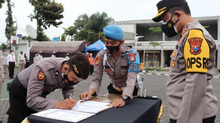 Anggota Polres Batu Tandatangan Komitmen Siap Dipecat Tidak Hormat jika Menyalahgunakan Narkotika