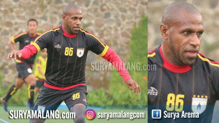 Boaz Solossa Tidak Jadi ke Arema FC, Bocor Foto Mantan Persipura Tiba di Bandara Sultan Hasanudin