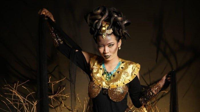 MUA Angelina Mustafa Butuh 3 Jam untuk Bikin Face Art Karakter Medusa