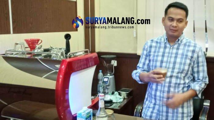 Skill Meracik Kopi Ala Kasatreskrim Polres Malang AKP Tiksnarto Andaru Rahutomo, Gali Filosofi Kopi