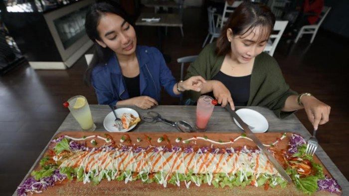 Kebab Limousine, Menu Kebab 1 Meter Ala Hotel Regantris Surabaya, Enak Disantap Bareng-Bareng
