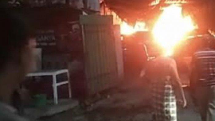 Kebakaran Bengkel di Surabaya, 3 Mobil Sedan Hangus, Pemilik Rugi Rp 2 Miliar