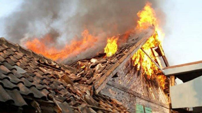 Gara-gara Pemilik Lupa Matikan Kompor, 4 Rumah Terbakar di Bojonegoro