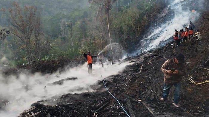 kebakaran-kandang-ayam-di-desa-munduk-temu-kecamatan-pupuan-tabanan.jpg