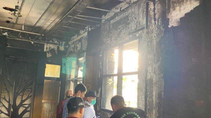 Hari Pertama Kerja Pasca Lebaran, Gedung DLHK Sidoarjo Terbakar