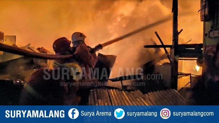 Galeri Foto Kebakaran Pasar Baru Tuban , Kebakaran Hebat Semalam Suntuk