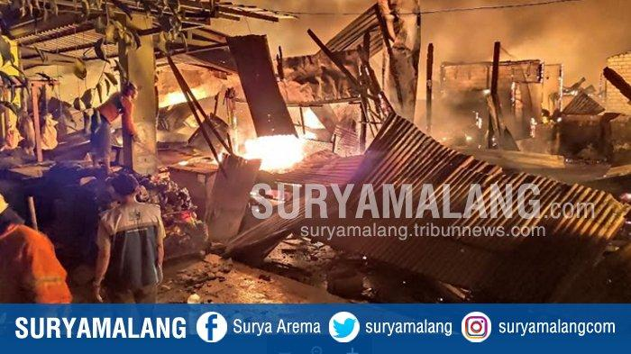 Kebakaran Pasar Baru Tuban, Kebakaran Hebat dari Api yang Diduga Berasal dari Toko Pakaian