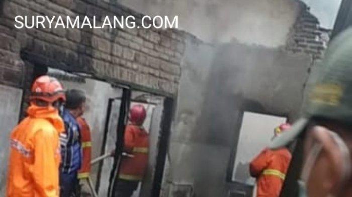 Korsleting Listrik, Rumah Terbakar di Kediri