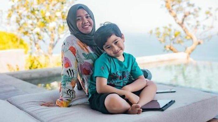 Kebersamaan Lala dan Rafathar