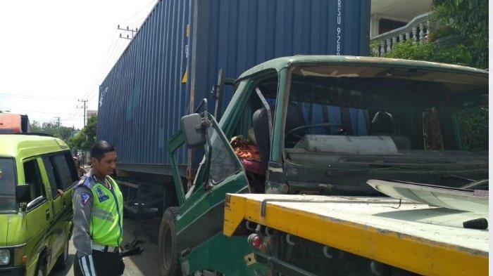 3 Kendaraan Terlibat Kecelakaan Beruntun di Tuban, Bermula dari Truk yang Rem Blong