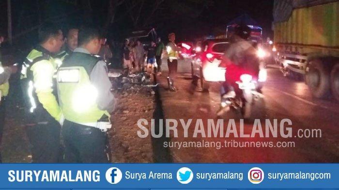 2 Pengendara Motor Tewas Terbakar dalam Kecelakaan di Jalan Raya Madiun-Surabaya