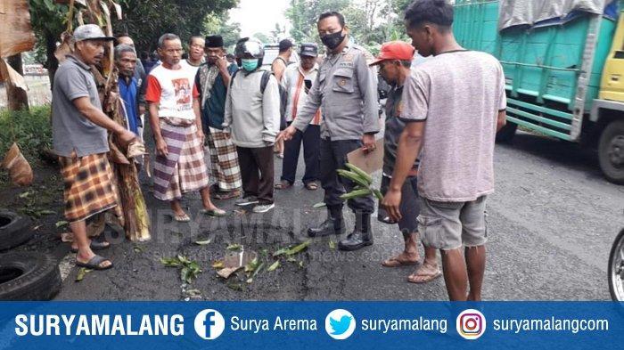 Kakek, Anak dan Cucu Berusia 3 Tahun Tewas Ditabrak Truk di Jember, Korban Jalan Berlubang