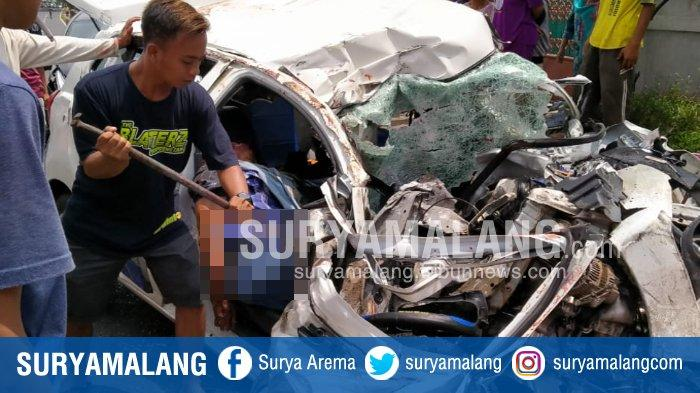 Berita Malang Hari Ini Populer, Laka Maut Trailer di Pasuruan dan Nenek Gantung Diri di Depan Rumah
