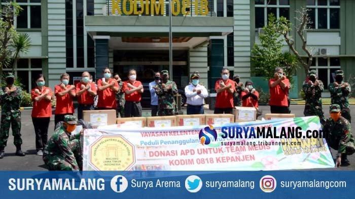 Peduli TNI Malang Raya, Yayasan Kelenteng Eng An Kiong Beri Bantuan APD untuk Tugas Cegah Corona