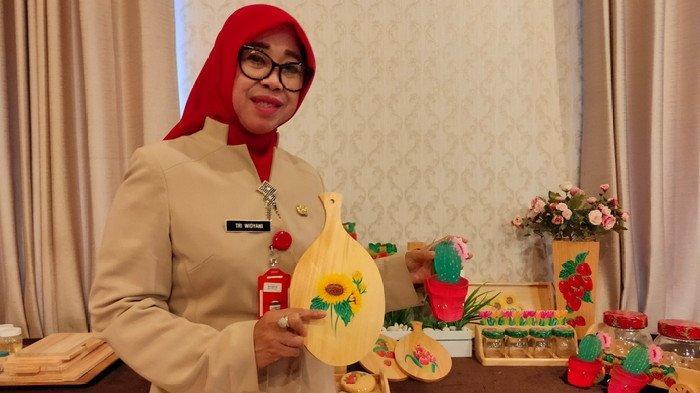 Kembangkan UKM, Dinkop Kota Malang Beri Pelatihan Daur Ulang Limbah Kayu