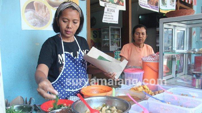 Kemuliaan Hati Bakul Nasi Pecel di Malang yang Tak Mau Lagi Terima Bantuan Pemerintah