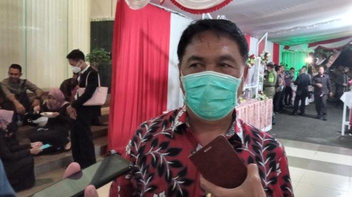 Tarik Ulur Perbaikan Jalan Rusak Parah di Malang Selatan
