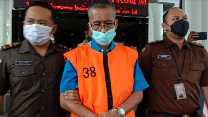 Kejari Kota Malang Tahan Kepala SMKN 10 Seusai Jalani Pemeriksaan