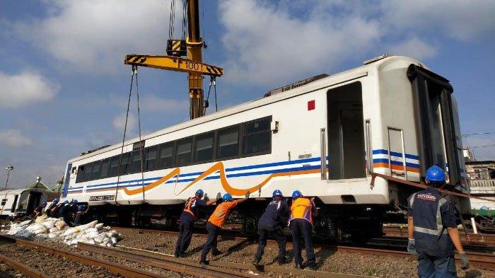Evakuasi Gerbong KA Anjlok di Kota Malang, PT KAI Daop 8 Surabaya Datangkan Kereta Derek dari Solo
