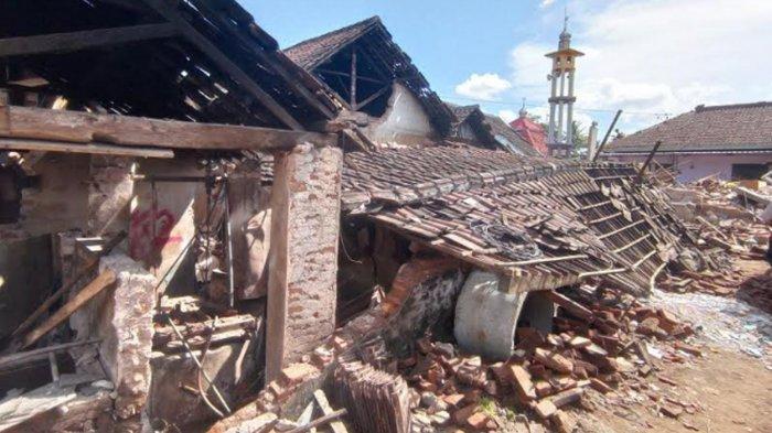 Warga Desa Majang Tengah Dampit Korban Gempa di Malang Butuh Bantuan Pemerintah