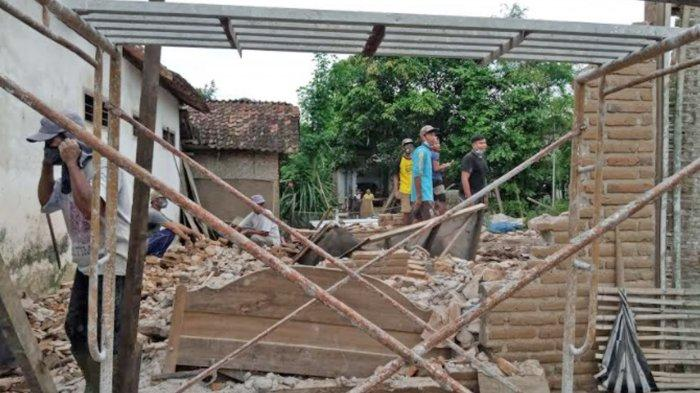 Data Korban Bertambah, BPBD Tulungagung Mulai Salurkan Genteng dan Asbes ke Korban Gempa Bumi