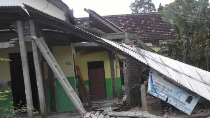 Kerusakan rumah warga Tulungagung karena gempa bumi, Sabtu (10/4/2021).