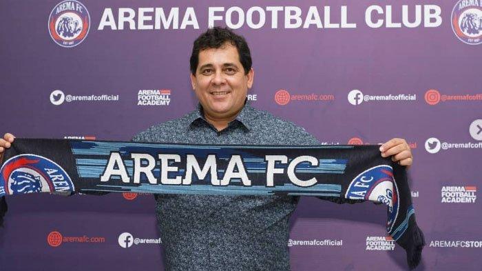 Tantangan Kepemimpinan Carlos Oliveira di Arema: Ada Kontrak Musim Depan dan Pemain Tak Ada Kabar