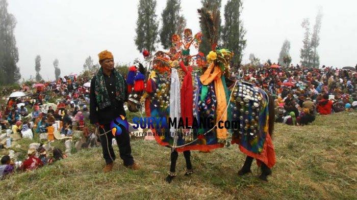 Peringati Hari Raya Karo, Warga Ngadas Perbolehkan Wisatawan Lewati Desanya Asalkan Tidak Berkunjung