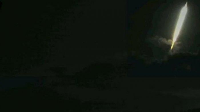Misteri Kilatan Cahaya dan Suara Dentuman di Sekitar Puncak Gunung Raung, Banyuwangi