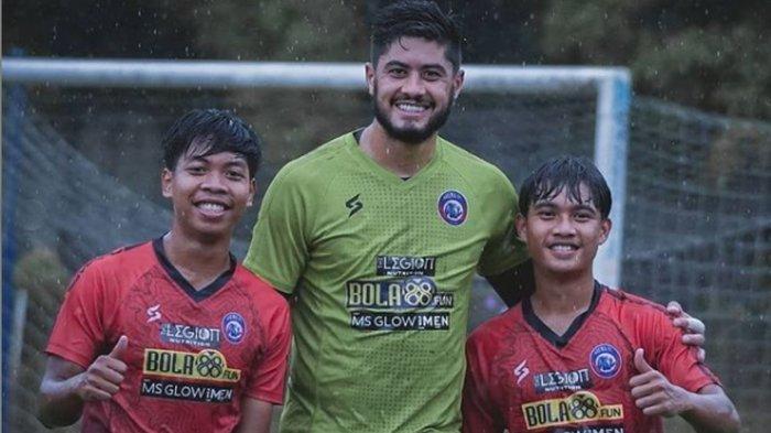 Ada Prestasi Saat  Arema FC Gagal Menang Lagi, Kiper Asing  Adilson Maringa Turut Catat Prestasi