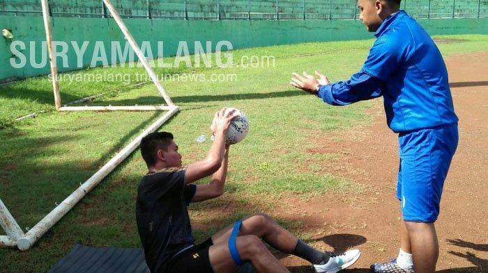 Cedera Paha, Kiper Arema FC, Teguh Amiruddin Harus Latihan Terpisah