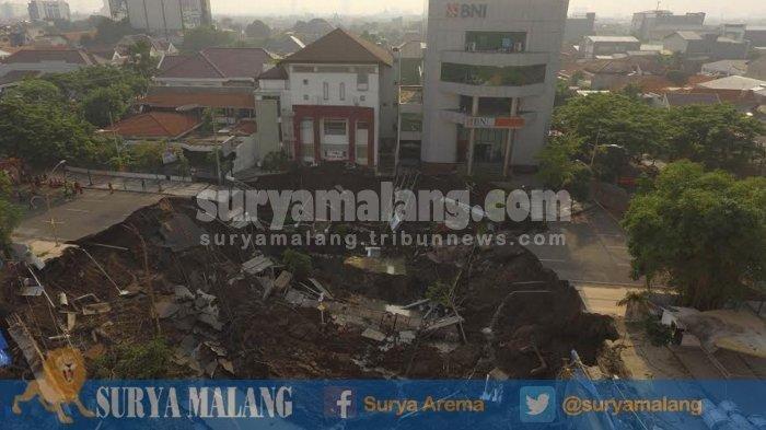Kondisi Gedung BNI saat Jalan Gubeng Ambles Ternyata Seperti ini, Masih ada Karyawan, Lalu Bergetar