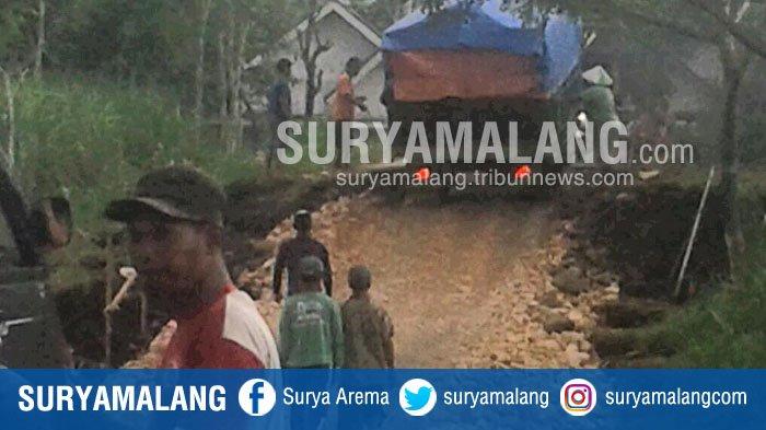 Jalan Penghubung Gedangan-Gondanglegi Kabupaten Malang Rusak Parah, Kasihan Pengendara!