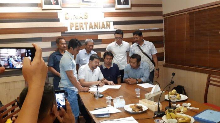 Stabilkan Harga, Petani Buah Naga Banyuwangi Dikontrak Pembelian 150 Ton