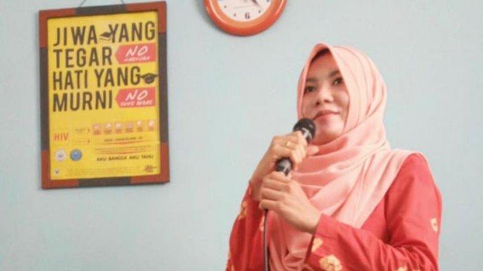Dosen Unusa Tunggu Kabar Resmi Suami yang Kru Kapal Selam KRI Nanggala-402, 'Mau Gak Mau Harus Siap'