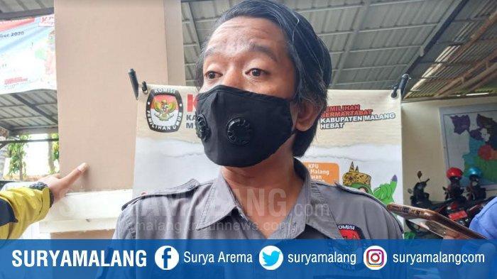 Ketua Divisi Sosialisasi Pendidikan Pemilih dan SDM KPU Kabupaten Malang, Marhaendra Pramudya Mahardika, pada Jumat (11/12/2020).